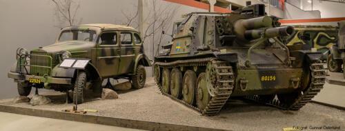 Sav m/43 och personterrängbil m/43.